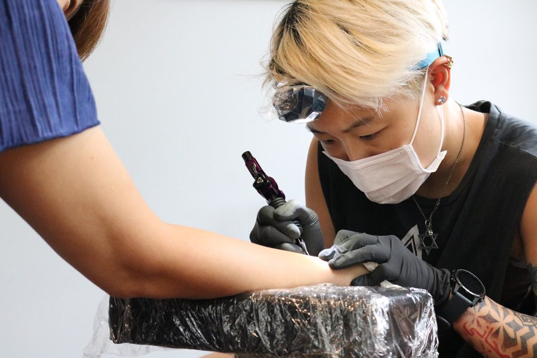 orca woo a speedy and mobile tattoo artist fussy a creative